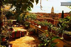the panoramic terrace with a view of the San Lorenzo district
