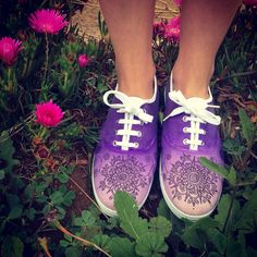 Zapatillas pintadas a mano Por Carla Palma