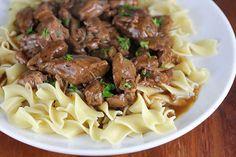 New Healthy Recipes Easy Beef Pot Roast 24 Ideas Beef Tip Recipes, Healthy Crockpot Recipes, Slow Cooker Recipes, Healthy Dinner Recipes, Roast Recipes, Beef Pot Roast, Slow Cooked Beef, Beef Steak, Beef Tips And Gravy