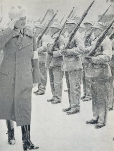 ruly_White_Army: Mannerheim checking honorary Company of Civil Guard in parade of anniversary for capturing Tampere. Heavy snowfall had covered the Civil Guards men in snow. Ww2 History, World History, Finnish Civil War, Warring States Period, Ww2 Pictures, Soviet Army, Old Norse, Fun World, Nature Images