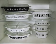 Black and White Pyrex. B&w!! Never have seen the b&w before! ♥