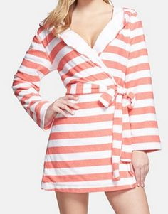 Hooded French terry robe in #coral http://rstyle.me/n/hgarvnyg6