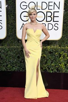 Reese Whiterspoon in Nina Ricci #redcarpet #GoldenGlobes #2017