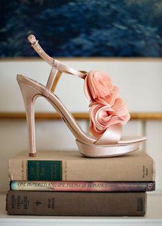 Unas sandalias muy femeninas, románticas...