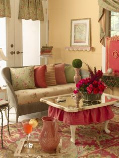 Cottage Chic Style Red Design