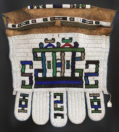 Ndebele Jocolo For Sale - African Beadwork & Textiles from the Ndebele People of the South Africa. Buy Original Ndebele Artworks, Beadworks, and Textiles. Pattern Art, Pattern Design, Pattern Dress, African Artwork, Royal Ontario Museum, Leather Apron, Sculptures For Sale, African Design, African Wear