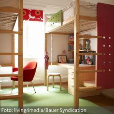 Klassisches Kinderzimmer mit Hochbetten
