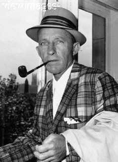 The Influence Of Bing by John Bush Bing Crosby was, without doubt, the most popular and influential media star of the first half of the Dixie Lee, Jack Benny, Band Group, Movies Box, Bing Crosby, Stars Then And Now, On Today, Vintage Hollywood, Pipe Smoking