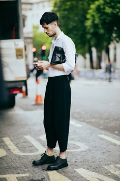 Christina Fragkou brings us a selection of the best looks photographed in the streets of London during London Fashion Week Men's, in exclusive for Fucking Young!