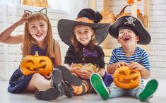 Ready to scare up some seasonal fun? Whether you're seeking a hauntingly hopping party or wickedly wonderful family-friendly festivities, find a number of Halloween events in Rancho Mirage. Pumpkin Decorating Contest, Pumpkin Contest, Feliz Halloween, Cute Halloween, Kids Carnival, Most Popular Games, Rancho Mirage, Funny Scenes, Carnival Costumes