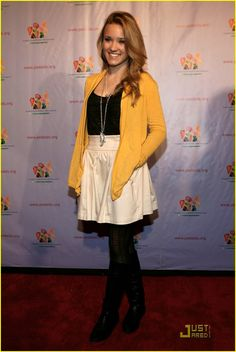 Emily Osment is Kids Carnival Cute Fashion Corner, Fashion Tv, Work Fashion, Fashion Beauty, Fashion Ideas, Emily Osment Style, Celebrity Babies, Celebrity Style, Emily J