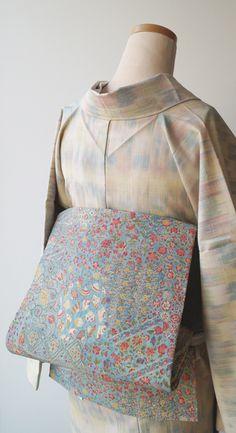 Japanese Clothing, Japanese Outfits, Japanese Kimono, Japanese Patterns, Kimono Dress, Yukata, Oriental, Dressing, High Neck Dress