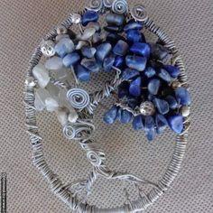 Blue Lapis Lazuli & Quartz Tree of life Wire Wrapped Sun Catcher / Quartz and Lapis Lazuli Gemstones / Beaded Wire Sculpture Wall Art