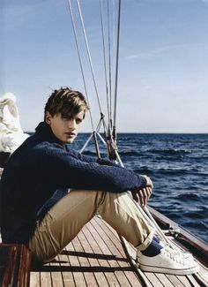 The Ivy League Style. What I like about preppy is the amazing sense of continuity. Goes for generations of stylish men. Cruise Italy, Ivy League Style, Bcbg, Look Man, Nautical Fashion, Nautical Style, Shirt Hair, Mans World, Looks Style
