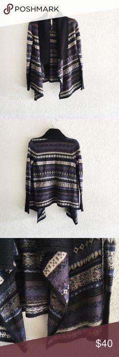 Kensie Fair Isle Flyaway Cardigan Fair isle patterned blue + navy drape cardigan. Longer in the front, shorter in the back. In good pre-owned condition. Normal wear from a sweater. No stains or holes. Brand is Kensie from Nordstrom. Size XS. Kensie Sweaters Cardigans