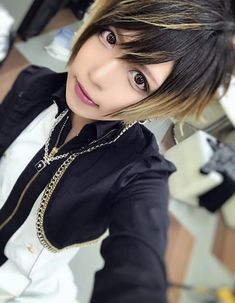 Rucy (jupiter) Visual Kei, Pearl Necklace, Pearls, Rock, Versailles, Jewelry, Fashion, Short Hairstyles, String Of Pearls