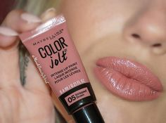 Wow am I impressed with the new Color Jolt Intense Lip Paint from @maybelline These stay on the lips for an extremely long time and are so pigmented. Stripped Down is such a gorgeous nude and I give these  #maybelline #colorjolt #newmakeup #maybellinecolorjolt #colorjoltintenselippaint #affordablemakeup #MNYFan #ninasvanity #drugstoremakeup #makeupaddict #beautyonabudget #budgetbeauty #ipsyOS #peachyqueenblog #farah_cleopatra #eyelive4beauty #motd