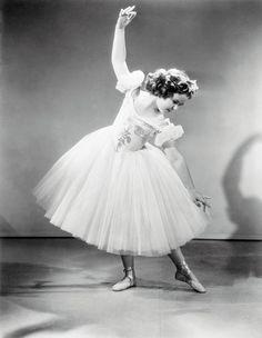 Resultado de imagen para le ballerine de Degas black and white