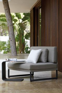 Sillones | Asientos | Squat 1 seat | Manutti. Check it on Architonic