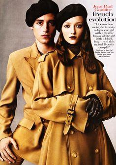 Retro Fashion, Vintage Fashion, Vintage Outfits, Grace Coddington, White Fashion Sneakers, Devon Aoki, Trench Coat Style, Trench Coats, Karen Elson