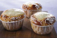 Helpot rahkapullat No Bake Desserts, Delicious Desserts, Fudge, Finnish Recipes, Tasty Pastry, Something Sweet, Sweet Recipes, Sweet Treats, Food And Drink