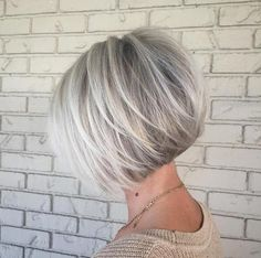 Gorgeous white blonde bob by Rochelle. Love this color.