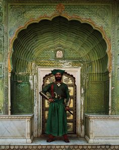 The Indian great mens costume love traditional green clothes