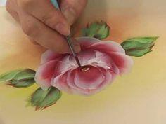 비법닷컴 [포크아트] 플랫브러시를 이용한 화사한 장미 그림그리기 중에서 - YouTube
