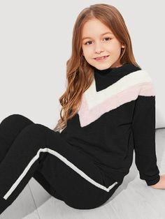 To find out about the Girls Faux Fur Chevron Top & Pants Set at SHEIN, part of our latest Girls Two-piece Outfits ready to shop online today! Kids Outfits Girls, Cute Girl Outfits, Cute Summer Outfits, Fur Fashion, Tween Fashion, Two Piece Outfit, Outfit Sets, Leggings, Sport
