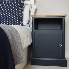 Modern Nightstand Ideas from the Master Bedroom Collection Upcycle Bedside Table, Bedside Table Makeover, Blue Bedside Tables, Painted Bedside Tables, Furniture Makeover, Refurbished Furniture, Upcycled Furniture, Furniture Projects, Painted Furniture