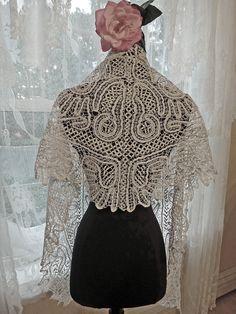 Bobbin Lace shawl (vintage)