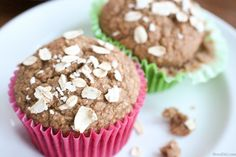 Flour and sugar free! These apple cinnamon blender muffins are perfect for a toddler if you're trying to avoid sugary snacks. Since it's a blender recipe it's super easy to have your little one 'help' prepare the muffins- my daughter had a blast! Healthy Breakfast Muffins, Healthy Muffin Recipes, Healthy Treats, Eat Breakfast, Healthy Kids, Healthy Living, Diabetic Living, Healthy Desserts, Healthy Food