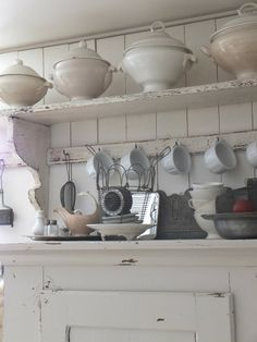 princessgreeneye Shabby Chic Kitchen, Shabby Chic Style, Country Kitchen, Vintage Kitchen, Kitchen Vignettes, French Interior, Cottage Interiors, Shabby Vintage, White Decor