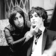 Julian Casablancas & Nick Valensi. 12:51 3some