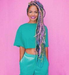 Box braids are a timeless style because of their simplicity but ability to appeal to everyone. Check out our list of 60 box braids hairstyles for black women. Box Braids Hairstyles, Cool Hairstyles, Hairstyle Braid, Hairstyles 2016, Summer Hairstyles, Afro Punk, Vestidos Chiffon, Colored Box Braids, Curly Hair Styles
