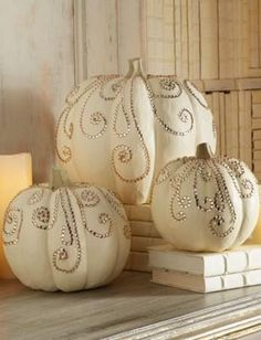 {RHiNeSToNeS} | Painted Rhinestone Pumpkins For Fall Wedding Decor