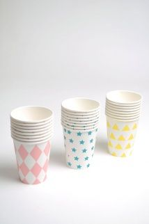 8 Paper Cups