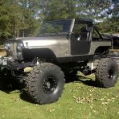 Jeep CJ-7, yes pls! Just need it to be TIGER blue!
