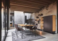 Massivholz-Möbel mit Materialmix Conference Room, Dining Table, Design, Furniture, Home Decor, New Kitchen, Family Dining Rooms, Wood And Metal, Decoration Home