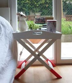 folding table with tray
