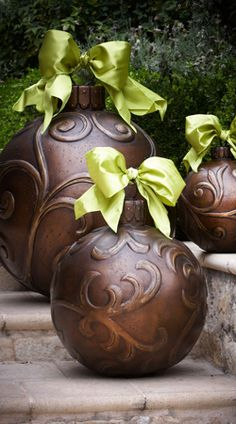 Outdoor Christmas Ornaments.... Love this website so many Christmas decorations!! :)