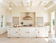 Modern Kitchen by Haynes-Roberts and Haynes-Roberts in Sagaponack, New York