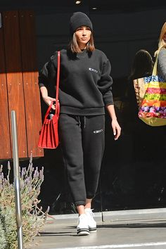 Olivia Culpo wearing Saint Laurent Sac De Jour Croc Embossed Bag, Stella McCartney Sneak-Elyse Flatform Sneakers, Alexander Wang Ceo Pullover and Alexander Wang Ceo Sweatpants Olivia Culpo, Chill Outfits, Basic Outfits, Casual Outfits, Fashion Outfits, Outfit Essentials, Saint Laurent, Street Style Looks, Sport Street Style