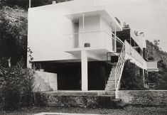 The Irish Museum of Modern Art at Kilmainham Hospital fully reopens with an exhibition of once-forgotten, now celebrated Irish modernist Eileen Gray.