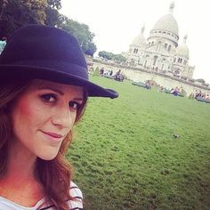 True love!! #Paris ❤️  Enamorada de #Paris !! Una muy cosmopolita !! http://www.theprincessinblack.com #fashionblog #lookoftheday #lookbook #outfit #itgirl #toppic #instagrampic #bestpic #streetstyle #beauty #happy #followme #havefun #instagramlikes #blogger #blog #blogmoda #glamour   (en Montmarter, Paris)