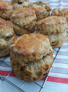 Date and Walnut Wholemeal Scones – Cakes, Bakes and Simple Suppers Bread Maker Recipes, Loaf Recipes, Baking Recipes, Cake Recipes, Quiche Recipes, Wholemeal Flour Recipes, Wholemeal Scones, Mary Berry Fruit Scones, Date And Walnut Loaf