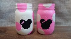 Minnie Mouse jars polka dots glitter party favors nursery decor baby shower par LoveRusticallyYours sur Etsy https://www.etsy.com/fr/listing/203692844/minnie-mouse-jars-polka-dots-glitter