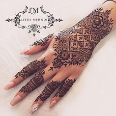 55 New Ideas Bridal Mehndi Designs Indian Weddings Henna Art - Body Art 2020 Henna Hand Designs, Henna Tattoo Designs, Mehndi Designs Finger, Pretty Henna Designs, Indian Henna Designs, Wedding Mehndi Designs, Mehndi Designs For Fingers, Mehndi Art Designs, Henna Tattoo Hand