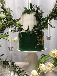 Carousell - Snap to List, Chat to Buy Teal And Grey Wedding, Emerald Green Weddings, Cake Original, Dummy Cake, Green Cake, Gold Birthday Cake, Wedding Cake Inspiration, Wedding Goals, Green And Gold