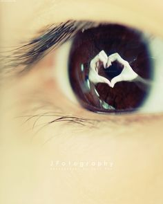 Learn how to photograph eye reflections with this tutorial by JFotography. For more, see JFotography's tutorial section and free E-book: Teach Yourself Photography - lessons from a self-taught photographer. Diy Photo, Photo Tips, Photo Ideas, Photo Poses, Photo Shoot, Photography Lessons, Photography Tutorials, Pretty Eyes, Beautiful Eyes